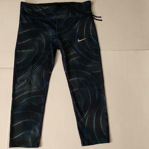 Nike Power Essential cropped leggings- Large